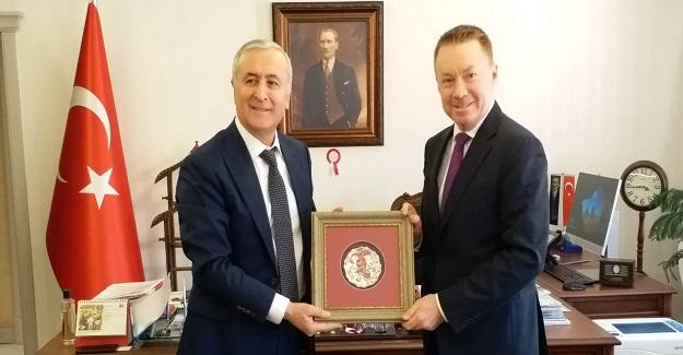 Milli Eğitim Bakan Yardımcısı Safran: Avustralya Büyük Elçisi Brown'ı Kabul Etti