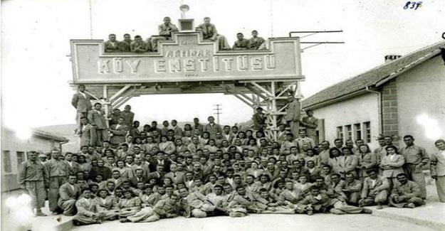 Türkiye'nin ilk özgün eğitim projesi olan Köy Enstitüleri 1940 yılında dönemin Milli Eğitim Başkanı Hasan Ali Yücel tarafından kuruldu.