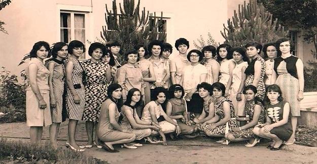 Atatürk Devrimleri ışığında, Nazilli Sümerbank Basma Fabrikası'nda Düzenlenen Baloya Katılan İşçi Kadınlar
