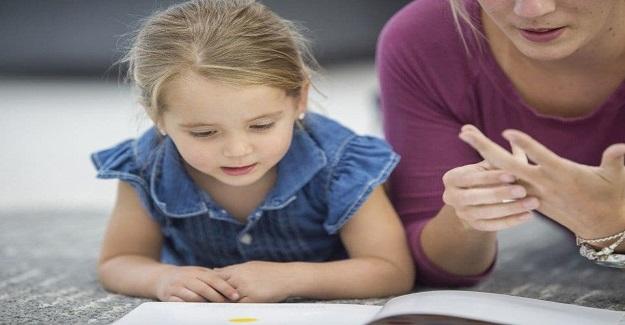 Bir okul ev ödevini yasakladı ve çocuklardan sadece kitap okumalarını ve oynamalarını istedi