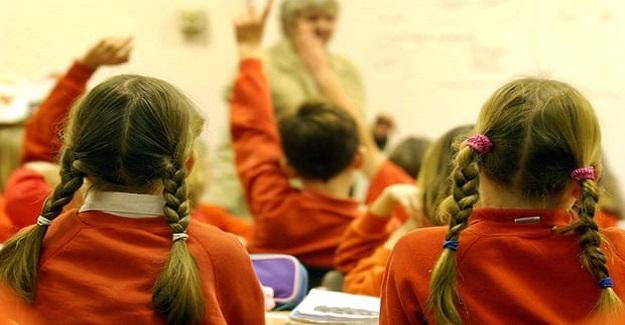 """İngiltere'de öğretmenler uyarıyor. """"Öğrencilerin ruh sağlıkları kriz noktasına varmış durumda.."""""""