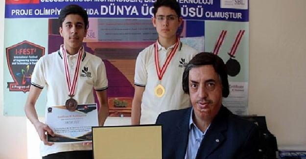Lise Öğrencilerinin Büyük Başarısı: Yaptıkları Proje Sayesinde Dünya Üçüncüsü Oldular