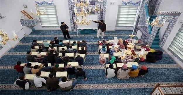 """Milli Eğitim Bakanlığından  """"Dersimi Camide Yapıyorum"""" protokolü:"""
