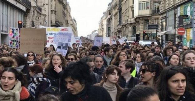 Öğretmenlerin yaptığı grev sonucu, yüzlerce okul kapatıldı