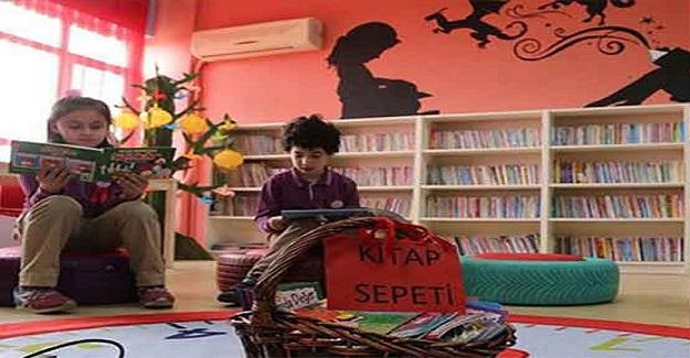 """Okul Müdüründen Alkışlanacak Hareket. """"Öğrenciler Okusun Diye Makam Odasına Vazgeçip Kütüphane Açtı"""""""