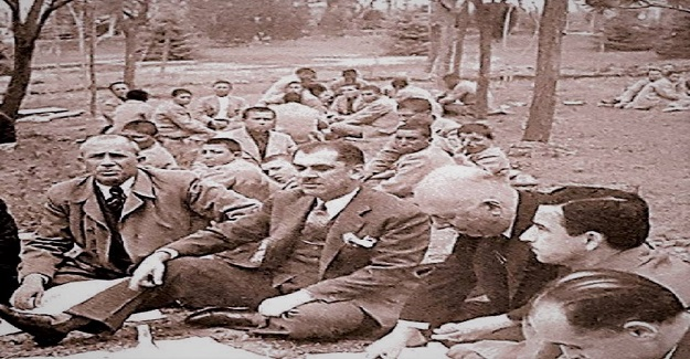 Yıl 1944 Milli Eğitim Bakanı Hasan Ali Yücel,