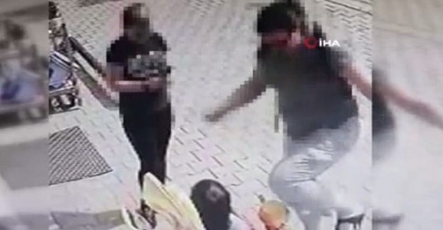 3 Yaşındaki Çocuğu Sokak Ortasında tekme Tokat Dövdü