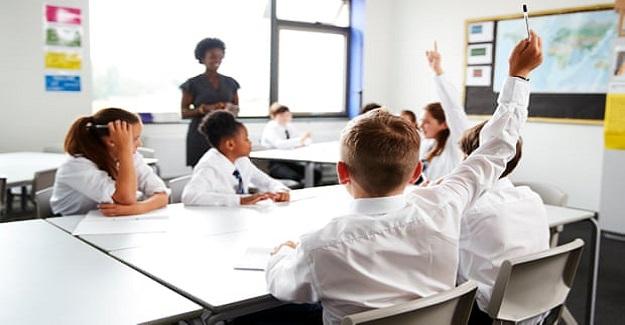 Çalışma, öğrencilerin değerlendirildiği öğretmenlerin resmi sınavların yerine geçebileceğini söylüyor