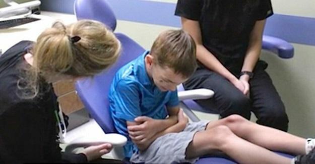 Doğduğu Günden Beridir Hiç Konuşmayan Küçük Çocuk, Dişçi Randevusundan Sonra Bakın Nasıl Konuşmaya Başladı
