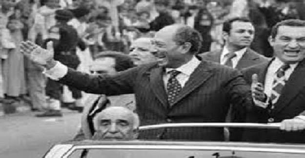 Eski Mısır Devlet Başkanı Enver Sedat'ı yaptığı suikast sonucunda öldüren adama hakim sorar: Sedat'ı neden öldürdün