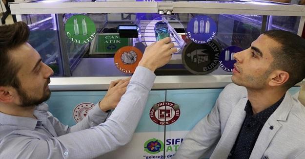 İki üniversite öğrencisi, yapay zeka destekli katı atık ayrıştırma cihazı geliştirdi