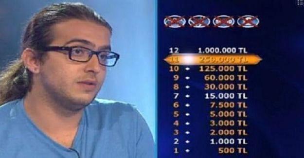 """""""Kim milyoner olmak ister"""" programında yarışıyordu ve kötü sıkışmıştı."""