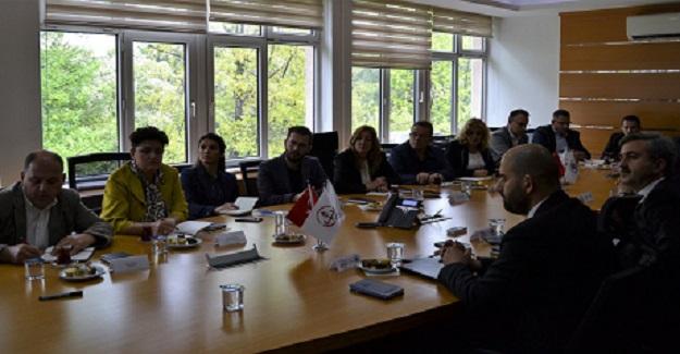 Kosova Eğitim, Bilim ve Teknoloji Bakanlığı'ndan YEĞİTEK'e ziyaret