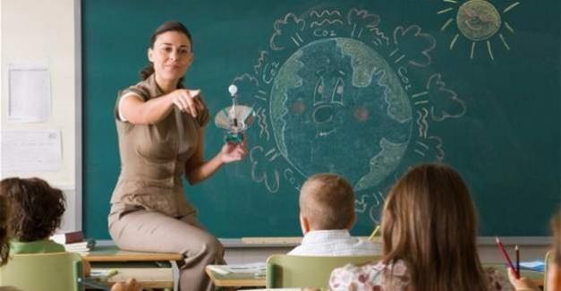 Milli Eğitim Bakanı Sayın Ziya Selçuk, Türkiye'de 92 bin 165 öğretmen açığı bulunduğunu bildirdi.