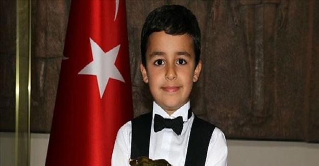 Türkiye Gururumuz 8 Yaşındaki Doğu Balyemez Dünya İkincisi Oldu
