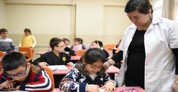 Yeni Ortaöğretim Sistemiyle Birlikte 67 Bin Öğretmen Açıkta Kalacak