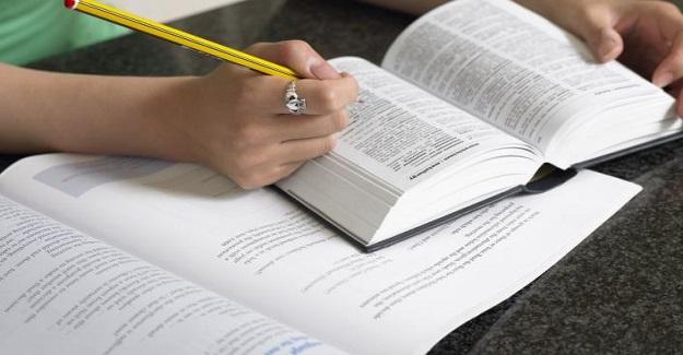 İngilizce öğretmenleri işe yaramaz terminolojiye bağımlı