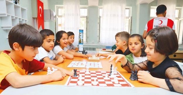 """Öğrencilerin Zihin Becerilerini Arttırmak İçin Okullara """"Zeka Sınıfları"""" Geliyor"""