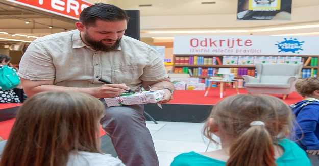 Okumayı Teşvik Etmeyi Amaçlayan Bir Proje: Süt Kutularının Üzerindeki Hikayeler