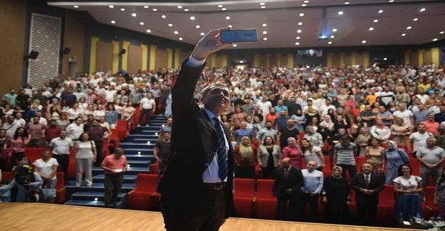 Ziya Öğretmen, İstanbul'da meslektaşları ile buluştu.