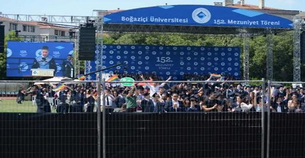 Boğaziçi Üniversitesi Öğrencilerinden Rektöre Şok Protesto!
