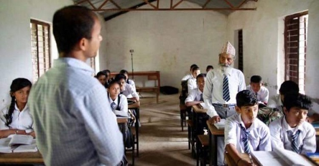 Pes etmeme hakkında bir şeyler bilen 10.sınıf öğrencisi 68 yaşındaki Durga ile tanışın.
