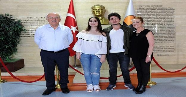 Türkiye 22. si Şebnem Sarı, YKS Başarısının Sırrını Açıkladı