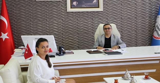 İzmirli Zeliş Öğretmenin Küresel Başarısı