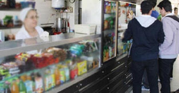MEB Bundan Sonra Okul Kantinlerinde Bu Yiyeceklerin Satışını Yasakladı: İşte Yasaklanan O Yiyecekler