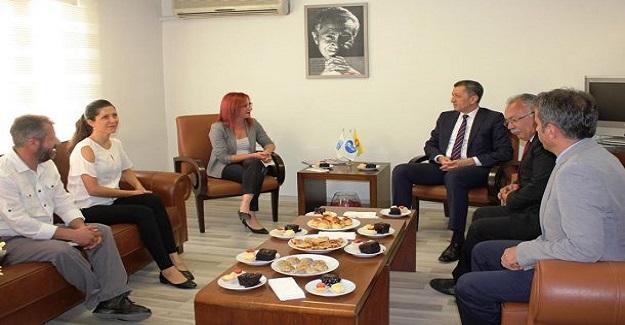 Milli Eğitim Bakanı Ziya Selçuk Eğitim Sen'i Ziyaret Etti