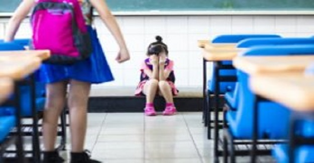 Öğrencilere Nasıl Davranmamalarını Öğretmenin Eğlenceli Bir Yolu
