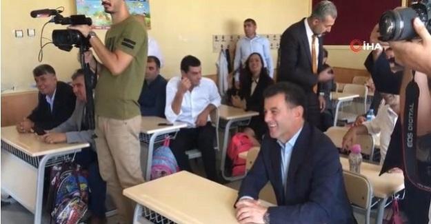 2019-2020 Eğitim öğretim yılı açılışında İlçe milli eğitim müdürü sınıf başkanı oldu