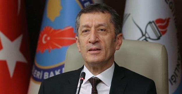 Milli Eğitim Bakanı Ziya Selçuk'tan Okullarda Cep Telefonu Kullanımına İlişkin Açıklama