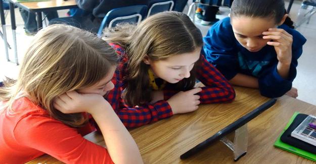Sosyal ve Duygusal Öğrenmeyi Teşvik Etmek İçin Dijital Araçları Kullanma