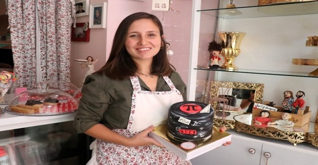 Yıllardır Ataması Yapılmayan Matematik Öğretmeni Mesleğini Pastalara Yansıtarak Pastacı Oldu