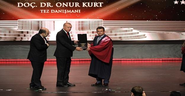 """""""YÖK 2019 ÜSTÜN BAŞARI ÖDÜLLERİ"""" SAHİPLERİNİ BULDU"""