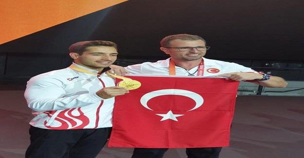 Bakan Ziya Selçuk'tan, Jimnastikte ilk altın madalya kazanan Beden Eğitimi Öğretmeni İbrahim Çolak'a Tebrik Mesajı