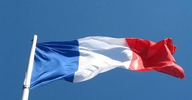 Fransa'da Türk öğrenci, asker selamı verdiği için cezalandırıldı