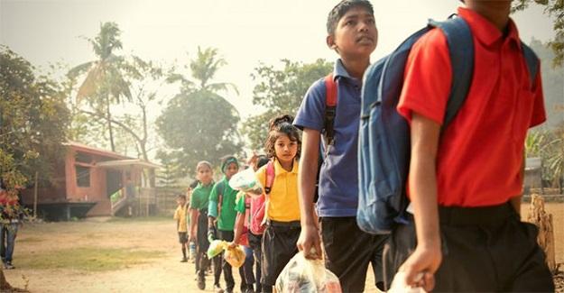 Hindistan'daki Okul, Eğitim İçin Para Yerine Öğrencilerden Plastik İstiyor