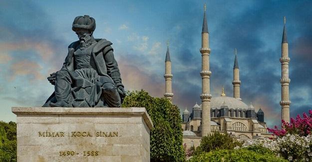 Kimileri Mimar Sinan'ın Mihrümah Sultan'a aşık olduğunu söyler