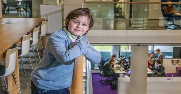 9 Yaşındaki Çocuk, Dünyanın En Genç Üniversite Mezunu Olmaya Hazırlanıyor