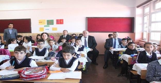 Bakan Ziya Selçuk: İYEP 3. sınıf öğrencileriyle devam ediyor