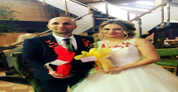 Öğretmen Çift Nikahlarında Davetlilere, Nikah Şekeri Yerine Fidan Dağıttı