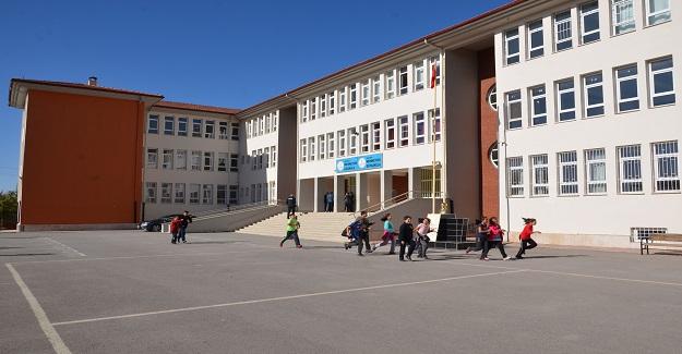 Otizmli Öğrencilerin Yuhalandığı Okulun Müdürü Açığa Alındı