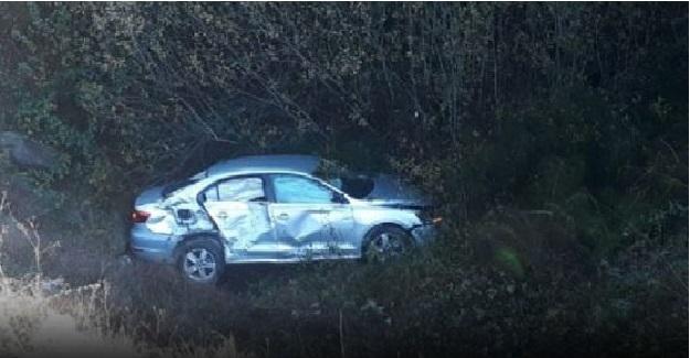 Otomobil Dereye Uçtu, 2 Öğretmen Yaralandı