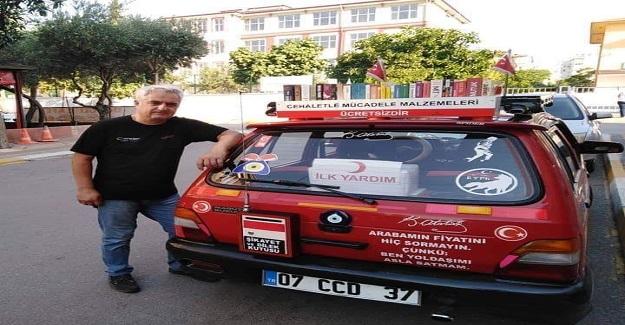 Sınıf öğretmeni Tuncer Günay Otomobiliyle 5 yılda 20 bin kitap dağıttı
