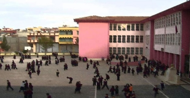 Velilerden Tepki Çeken Eylem: Okulun Çıkış Saatinde Bir Araya Gelen Veliler Otizmli Öğrencileri Yuhaladılar