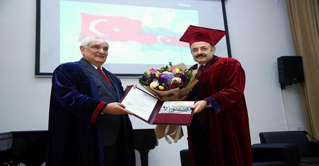 YÖK BAŞKANI SARAÇ'A AZERBAYCAN'DA FAHRİ DOKTORA UNVANI VERİLDİ
