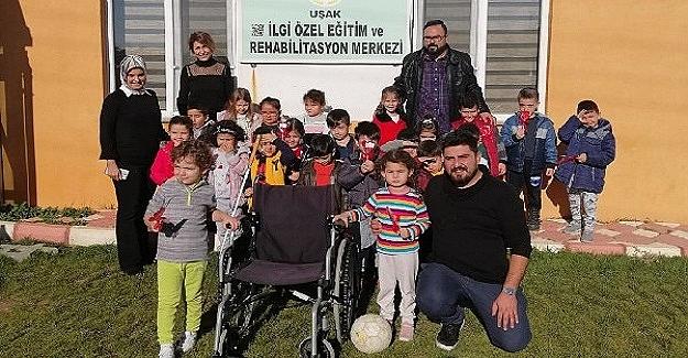 Anasınıfı Öğrencilerinden ve Öğretmenden Dünya Engelliler Günü Etkinliği
