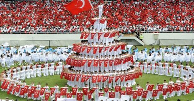 Danıştay Genelgeyi İptal Etti: 19 Mayıs Atatürk'ü Anma Gençlik ve Spor Bayramı Statlarda Kutlanabilecek